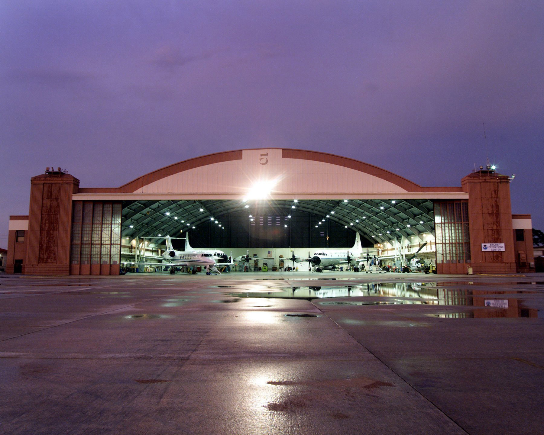 airplane hangar related keywords suggestions airplane hangar long